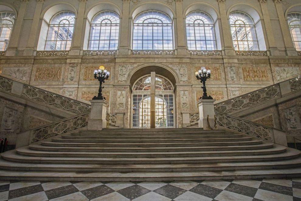 statue palazzo reale napoli