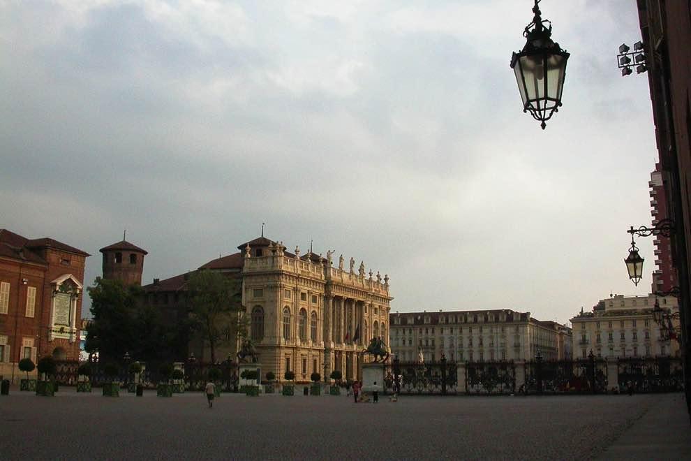 piazza castello torino to