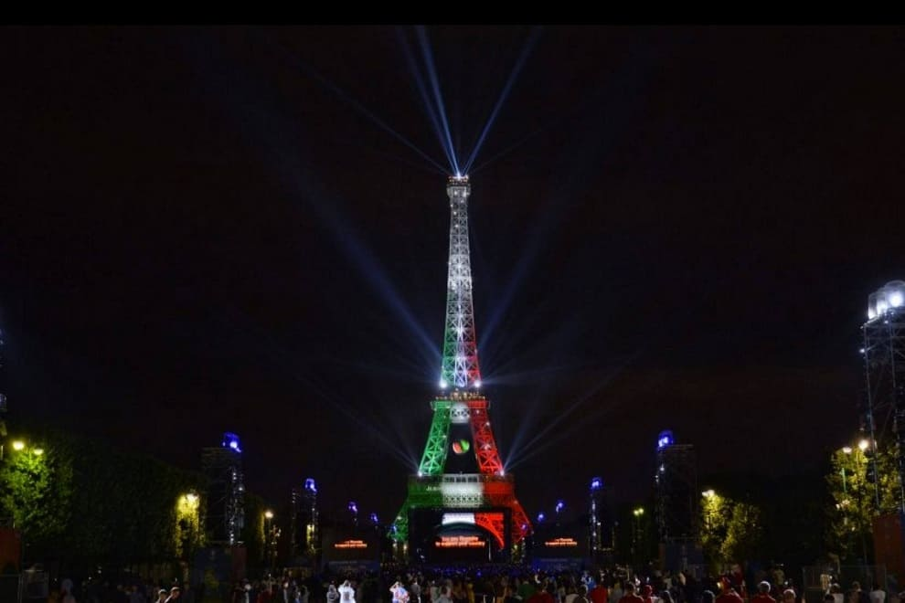 torre eiffel tricolore